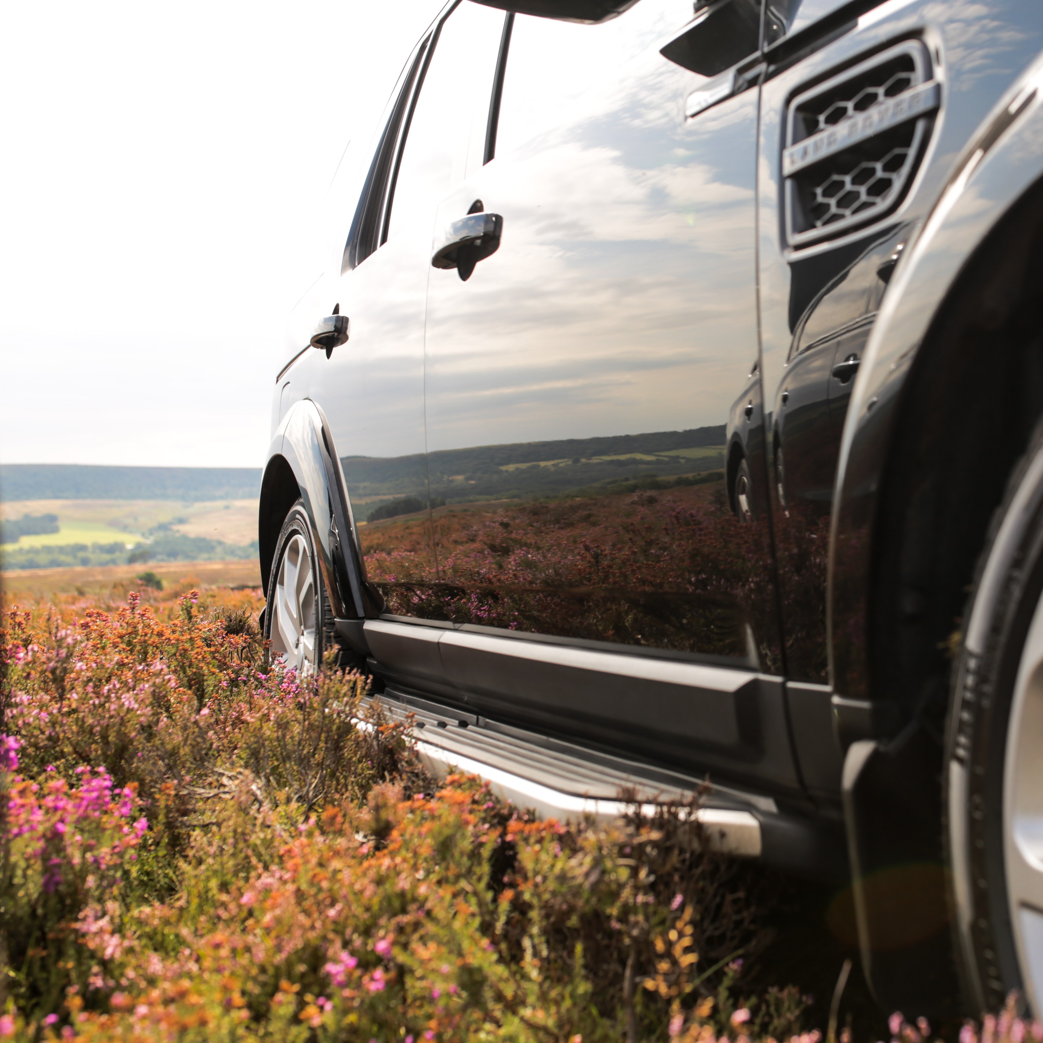 Landrover Discovery on Bransdale Moor, North Yorkshire